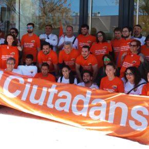 Ciutadans Viladecans celebra un partido de fútbol en defensa de la educación pública